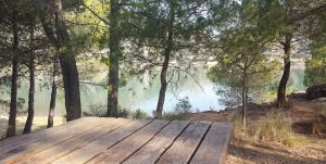 Zona picnic en el pantano de Pena en Beceite